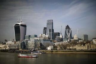 London Skyline Planner Sees Empty Luxury Homes Hurting City